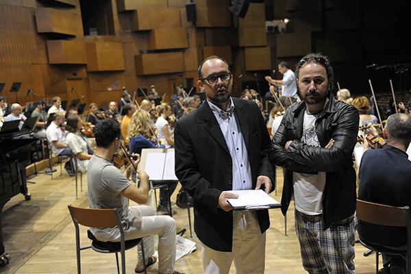 По време на записите на музиката за филма 'Съдилището' със Загребската филхармония.