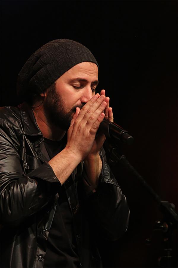 По време на концертa, издаден като 'Стефан Вълдобрев и Обичайните заподозрени: Live' (НДК, 18 май 2012). Фотография: Боряна Вутова